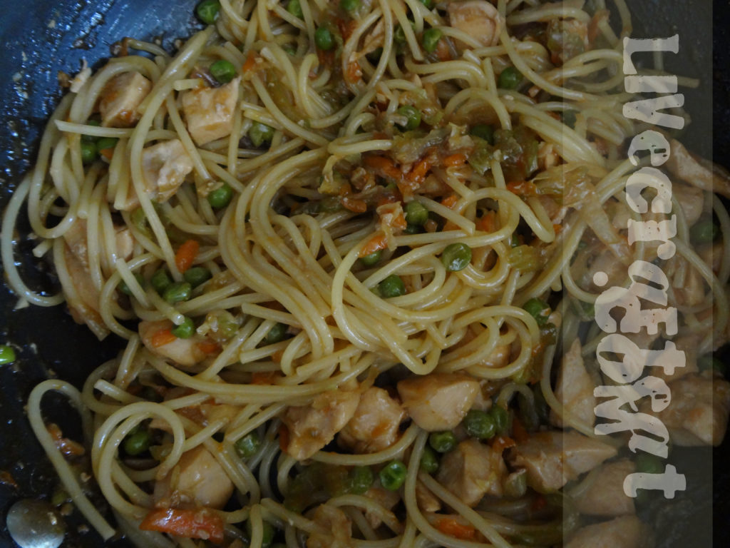 Easy Chicken Lo Mein Recipe | Live Craft Eat