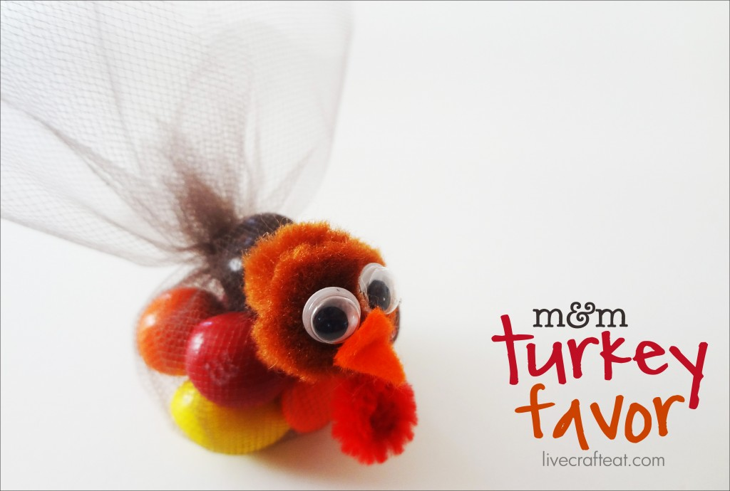 tulle turkey place setting favors for thanksgiving. so cute for the kids table!
