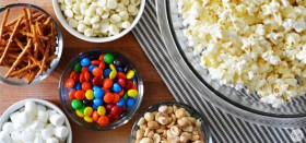 white chocolate popcorn bar - great for family movie night!