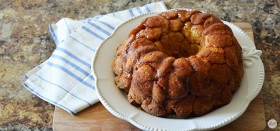 easy monkey bread recipe – only five ingredients!