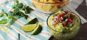 3 ingredient homemade guacamole in 5 minutes