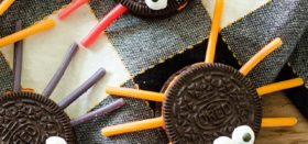 oreo licorice spider cookies