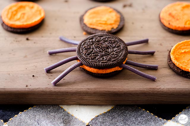 oreo kids halloween spider cookies