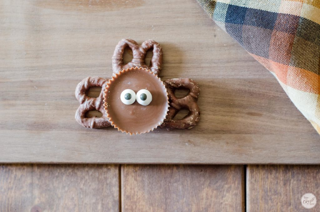 chocolate peanut butter turkey favor with candy eyes