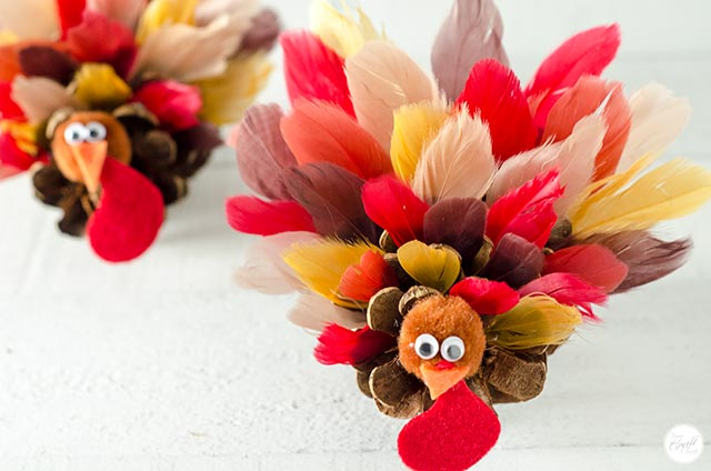 how to make turkey decorations for thanksgiving