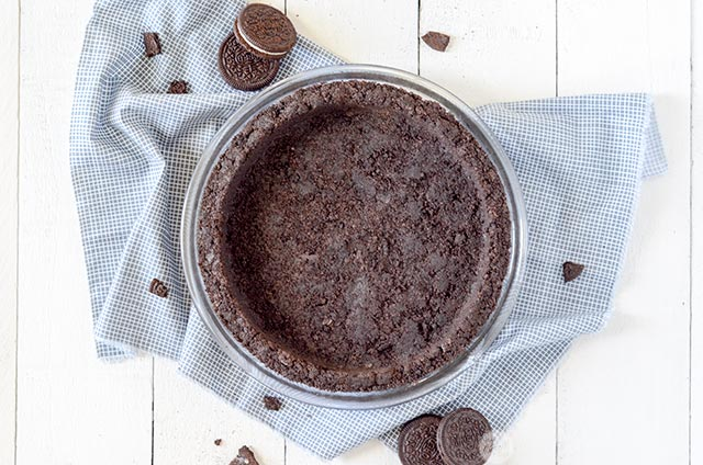 how to make chocolate oreo cookie pie crust