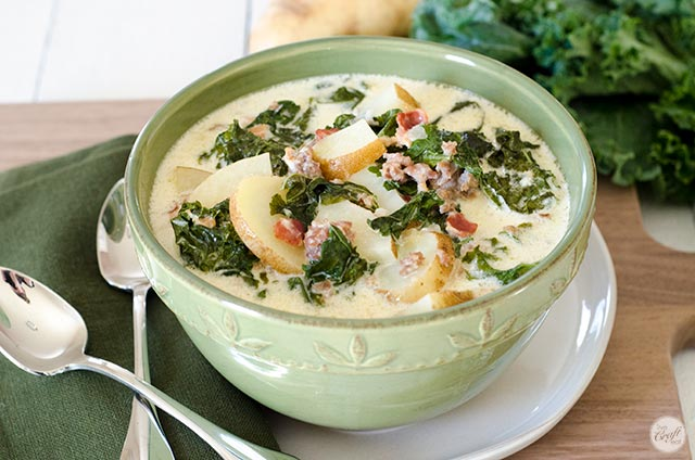 kale, sausage, and potato soup :: a wintertime favorite!